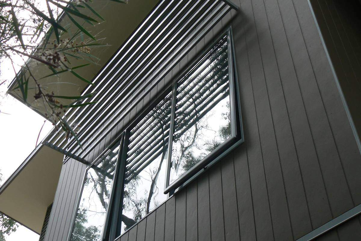designing fixed awnings using aluminium